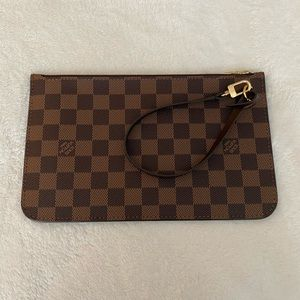 NWT Louis Vuitton Neverfull Pouch Brand New 2020